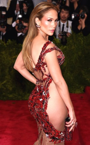 rs_634x1024-150504172302-634.Jennifer-Lopez-Butt-Met-Gala.ms.050515