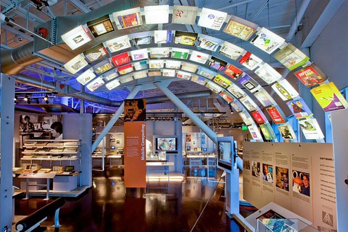 Museos y Compromiso Digital: MOOCs y Webinars