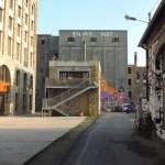 entre bâtiments réhabilité et anciens bâtiment industriel