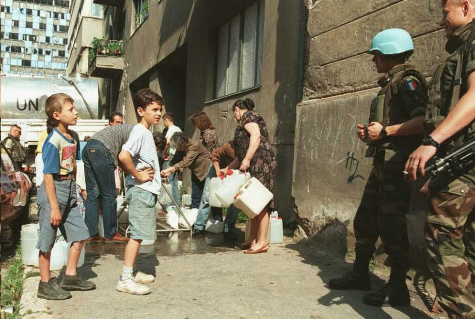 sarajevo-siege-distribution d'eau