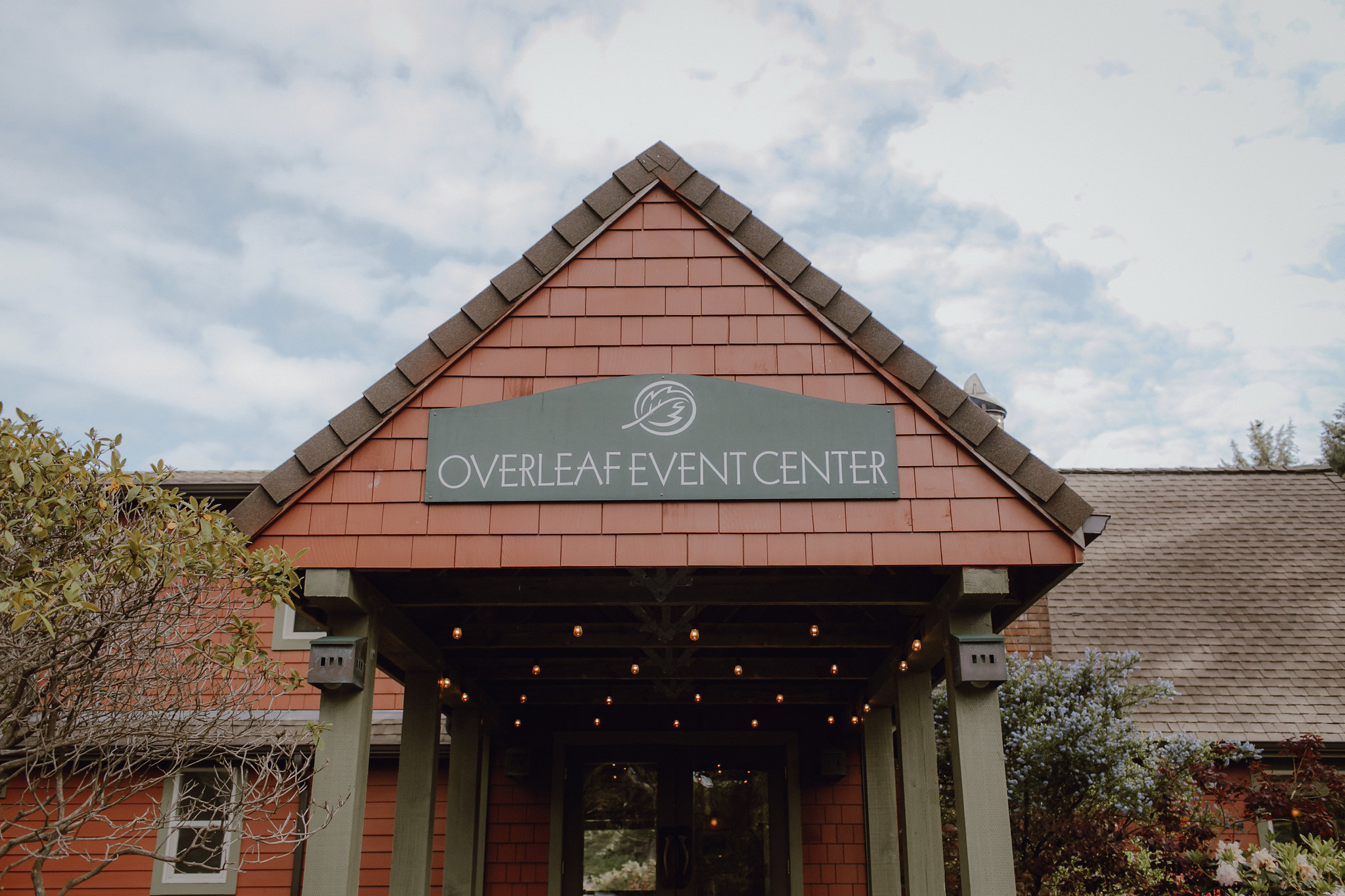 After the beautiful & heartfelt ceremony, guests walked over to the Overleaf Event Center where a three course dinner and dessert from Just Good Cookin