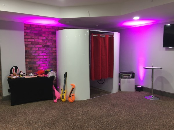 Photo Booth hire from Eventech UK – Photo Booth in Salford