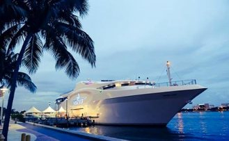 A Corporate event on this unbelievable Yacht in Miami- The Sea Fair.