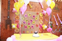 Pink_Yellow_White_theme_birthday_party_decoration_06
