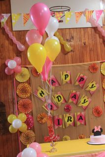 Pink_Yellow_White_theme_birthday_party_decoration_26