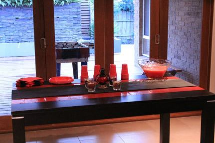 Red_and_Black_theme_Anniversary_party_decoration_12