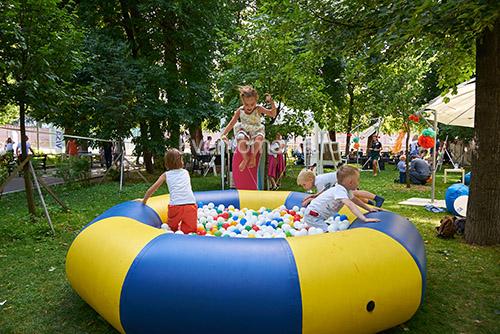 Детский надувной сухой бассейн диаметром 3 м в аренду