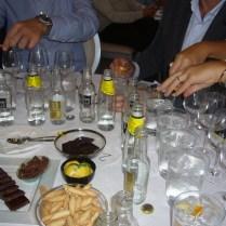 Cata de Gin tonics maridados con chocolates _50_