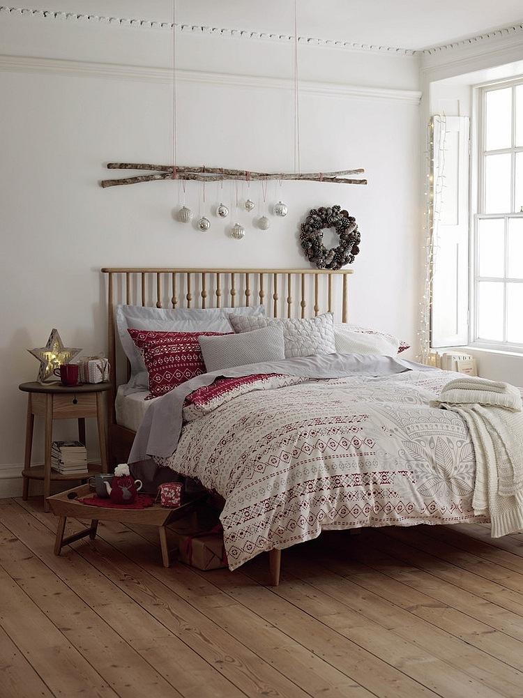 Cozy Christmas Bedroom Decorating Ideas - Festival Around ... on Bedroom Decoration Ideas  id=47526