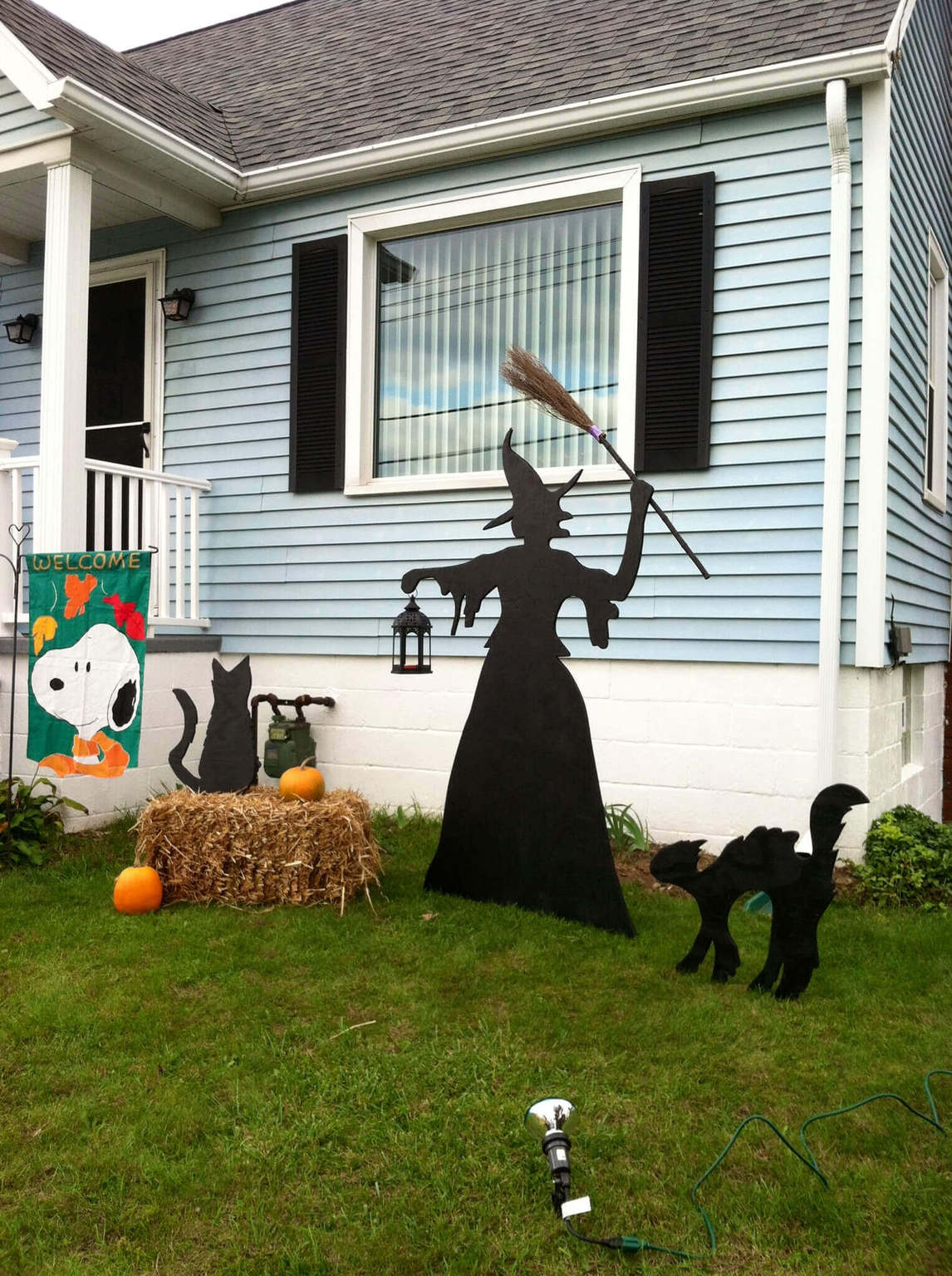Exquisite Outdoor Halloween Decoration Ideas - Festival ... on Lawn Decorating Ideas id=88588