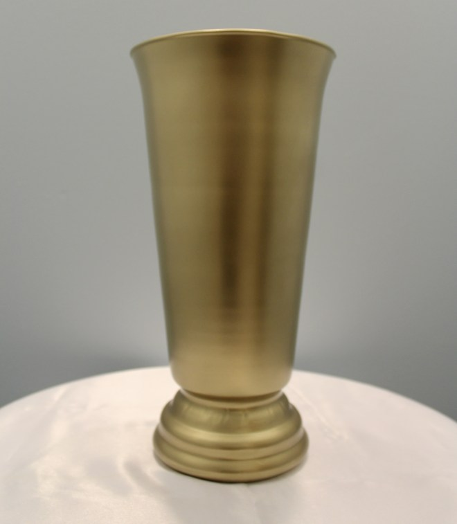 Gold Footed Vase Image