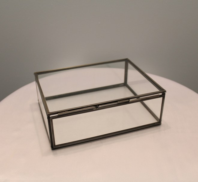 Glass Display Box Image