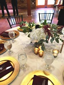 Events by Emerson - Guest table and centerpiece