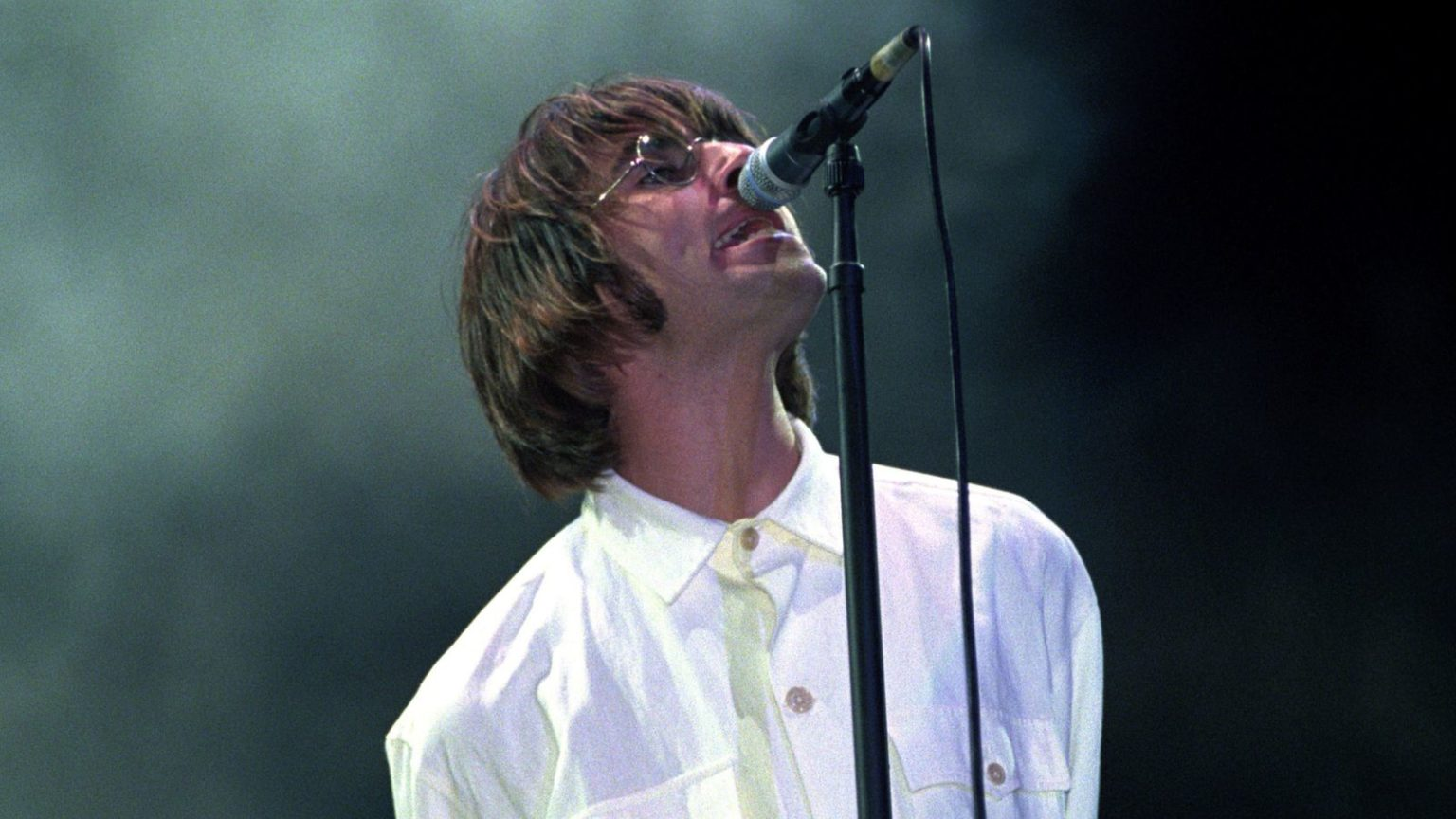 This was the time of britpop, a time when the celebration of britain was a genuine tourist attraction, when liam gallagher and patsy kensit. Liam Gallagher announces Knebworth show - a return to the ...