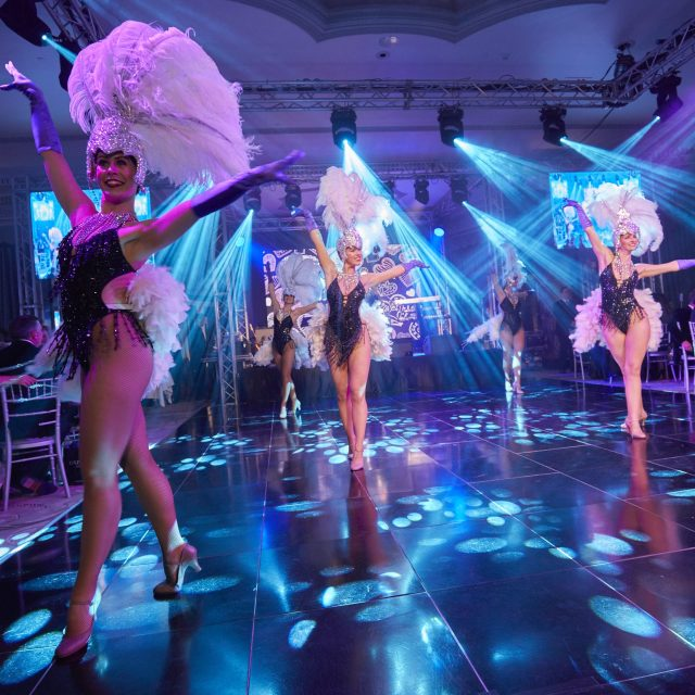 Dancers dancing e1582785615107