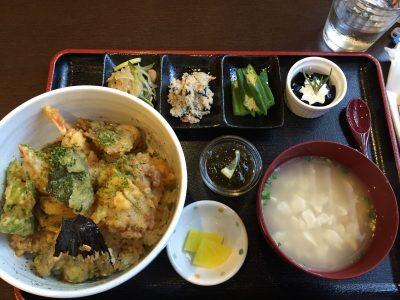 沖縄料理が豊富!念願のおふくろ亭【宮古島グルメ】