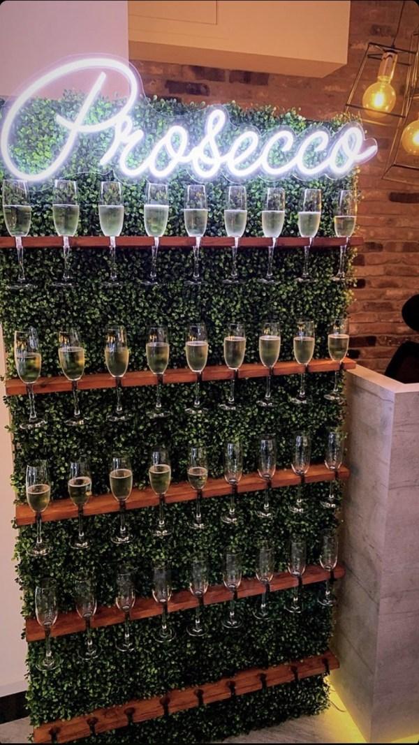 Champagne Wall (Boxwood Style)