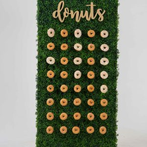 Large Boxwood Donut Wall
