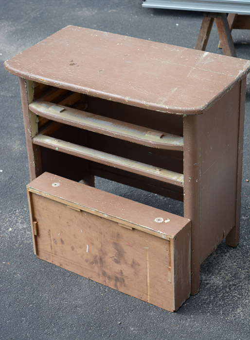20150809_House_Furniture_stand_before_small