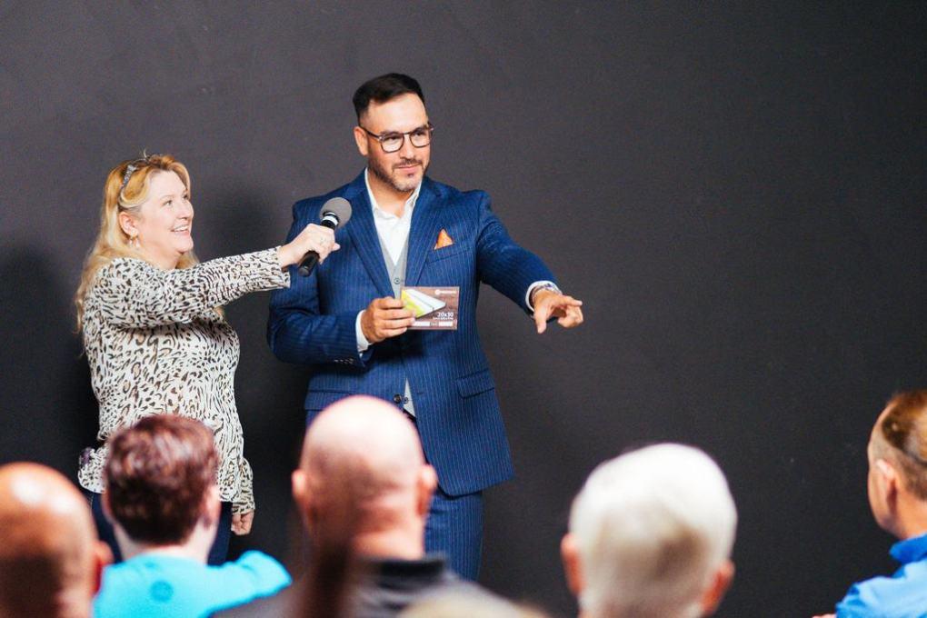 Professional photographer Everardo Keeme speaks at the ASMP Phoenix meeting