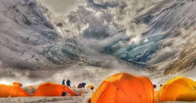 ascent himalayas everest