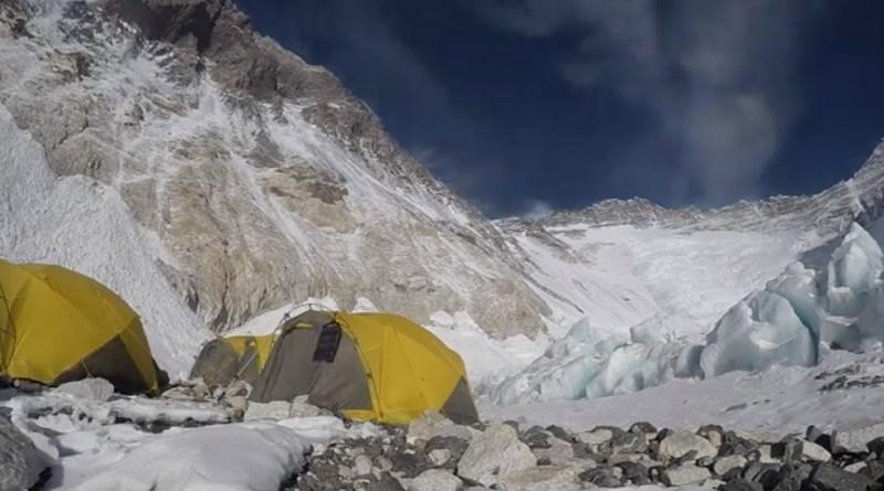 summit climb everest