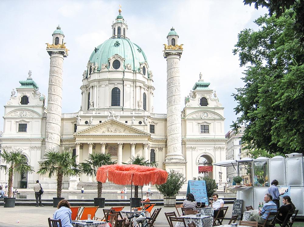Outdoor cafe in Vienna, Austria