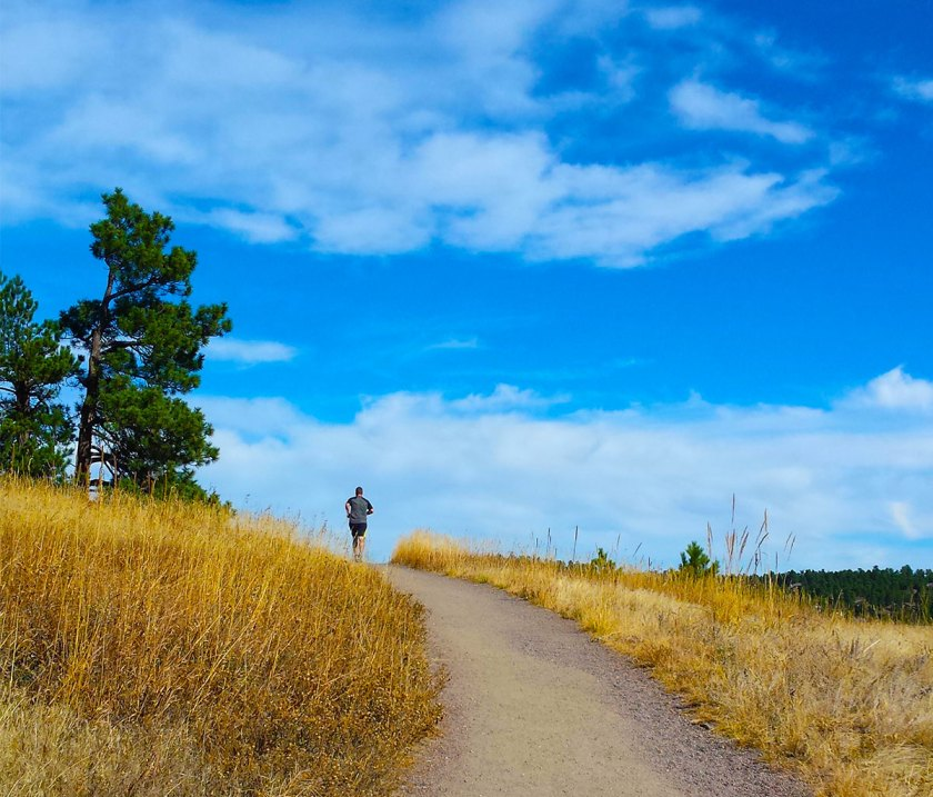 elk-meadow-noble-meadow-trail-runner-sky