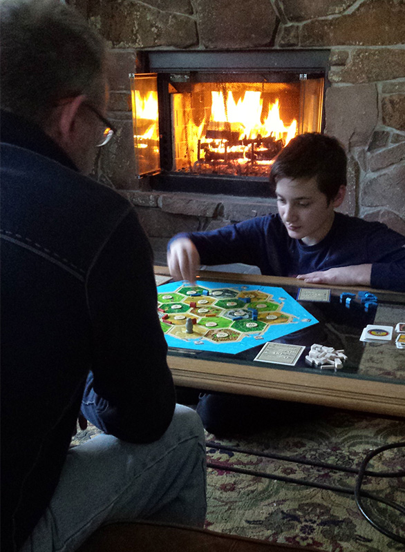 Family-playing-game