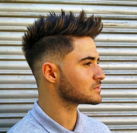 Seit einigen jahren ist der haarschnitt wieder ähnlich beliebt wie in den achtzigern und. Kurzhaarfrisuren männer seiten kurz