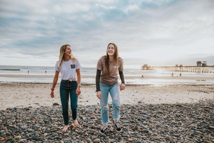 two girls beach California cali summer friend sea ocean coast