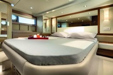 58_20131112170058_a50_master_cabin