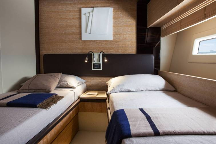 82_20151027104631_72_starboard_side_guest_cabin