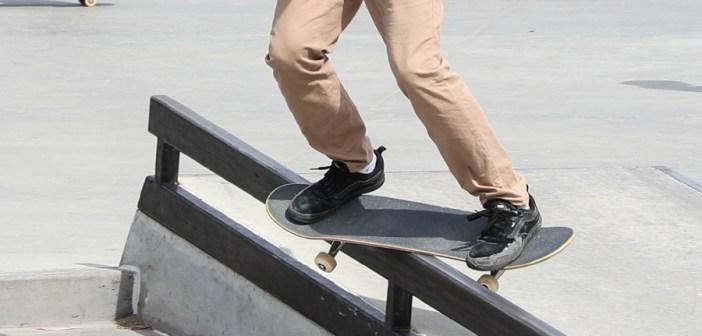 feeble grind, skateboard, skating