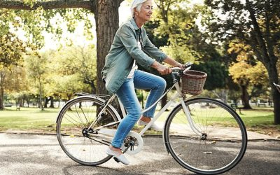 A daily brisk walk doubles 70-year-olds' chances of living past 80, study finds