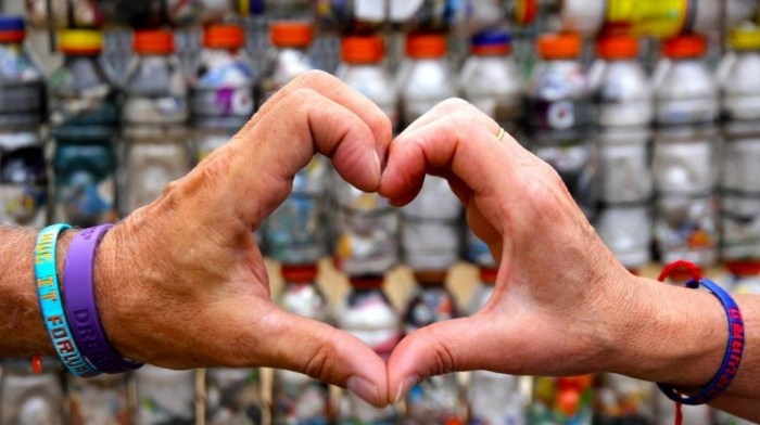 Image: Hands making a heart