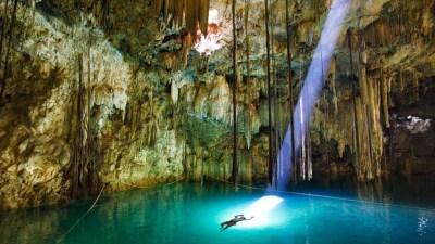 Cenote, Underwate caves, John Stanmeyer, National Geographic