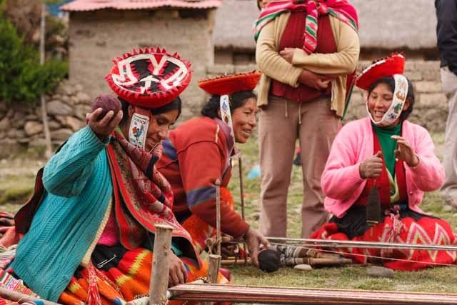Women in Peru keeping weaving traditions alive