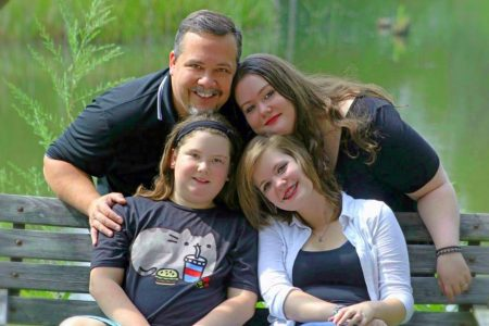 Image: Bethany (upper right) and her 2 sisters and father