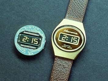 Image: The first LCD displays on watch faces