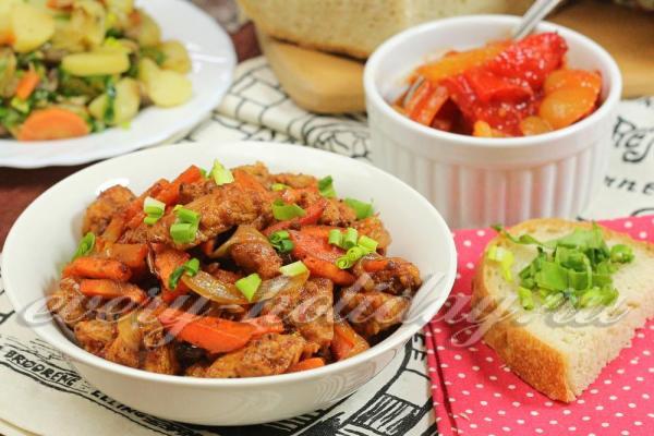 Маринованная свинина в томатном соусе на сковороде, рецепт ...