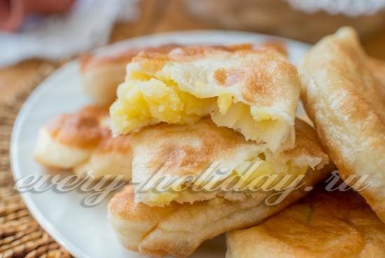 Пирожки с картошкой, жареные на сковороде (рецепт с фото)