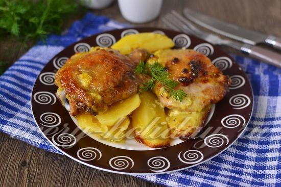 Курица с картошкой в духовке с майонезом и чесноком ...