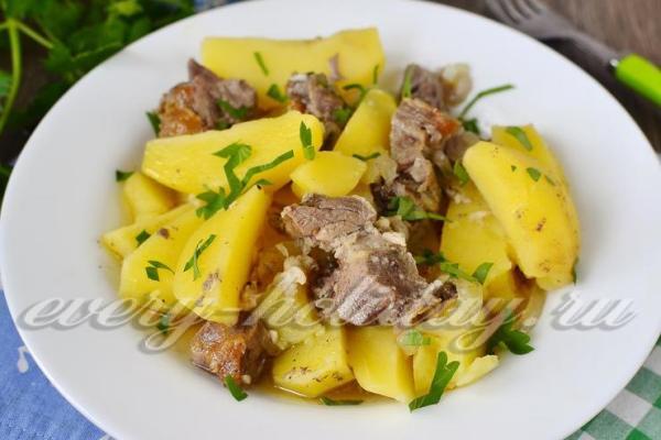Свинина с картошкой в рукаве в духовке, рецепт с фото