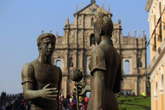 ruins of st pauls statue 700x467 - A day trip to Macau from Hong Kong