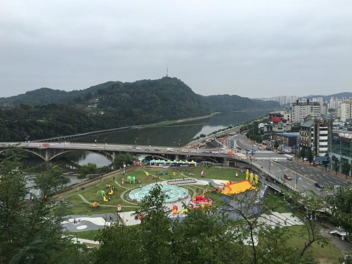 jinju nam river 700x525 - A visit to Jinjuseong Fortress in Jinju, South Korea