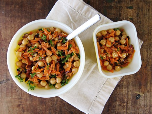 spiced carrot & chickpea salad with fried almonds | everybody likes sandwiches