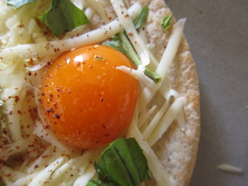 egg pita pizza | everybody likes sandwiches