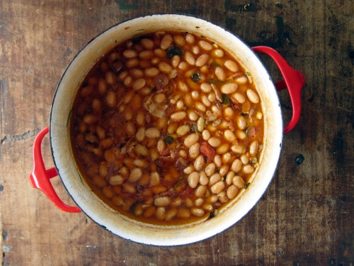 braised cranberry beans with fresh herbs | everybody likes sandwiches