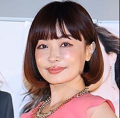 「吉田栄作の妻」の画像検索結果